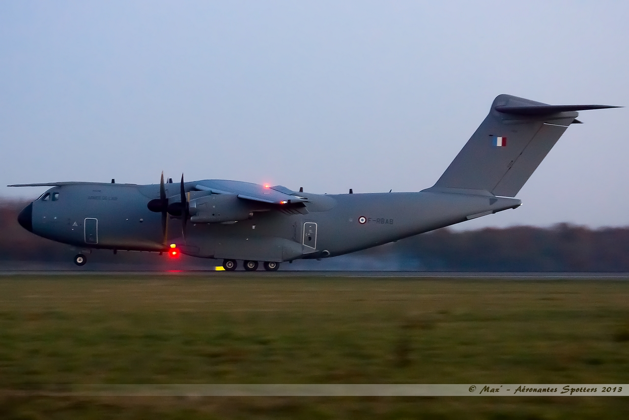 [06/12/2013] Airbus A400M (F-RBAB) France Air Force !!! 13121007280016756011807970