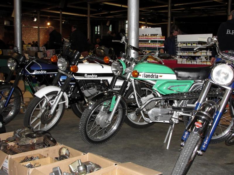 A quoi ressemblent vos garages ? 1312130645295670411815061