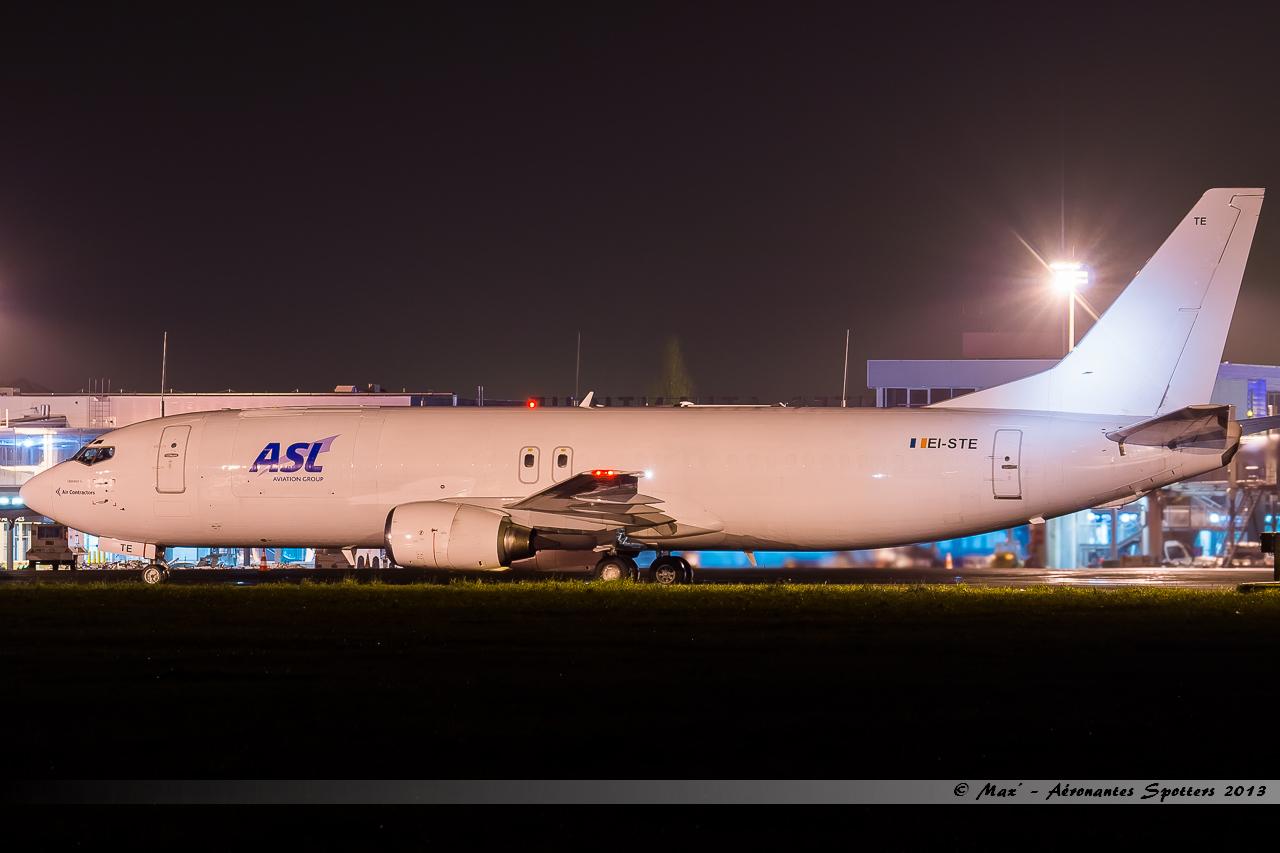 [26/11/2013] Boeing B737-400F (EI-STE) Air Contractors 13123110440416756011860922