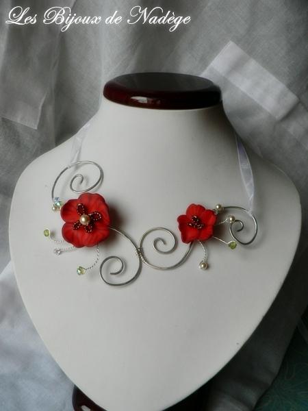 collier mariage création wire fleur ruban coquelicot couleur