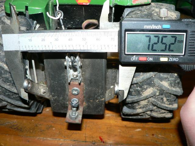 Tracteur John Deere 7930 par Doudou - Page 2 14011201000616694411890010