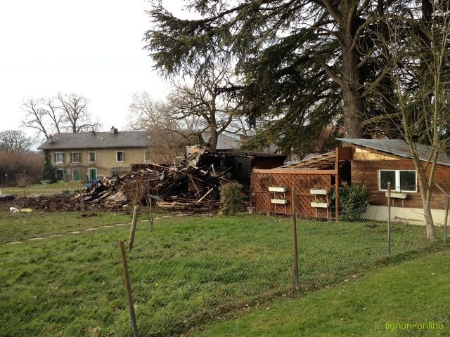 Le Lignon : Chalet détruit par les flammes 1401250437191858211928483
