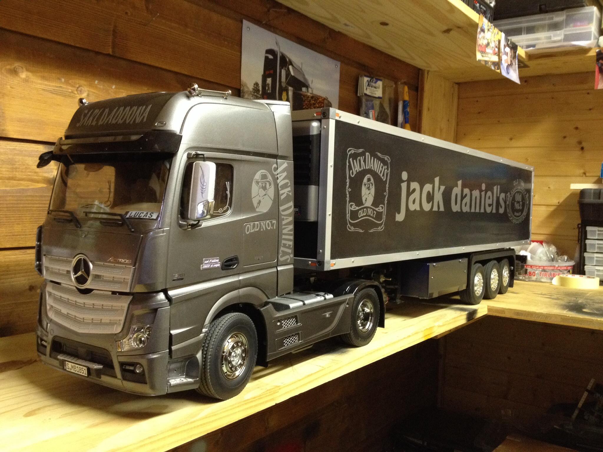 mercedes mp4 4x2 mon nouveau camion actros mp4 camions rc fr. Black Bedroom Furniture Sets. Home Design Ideas