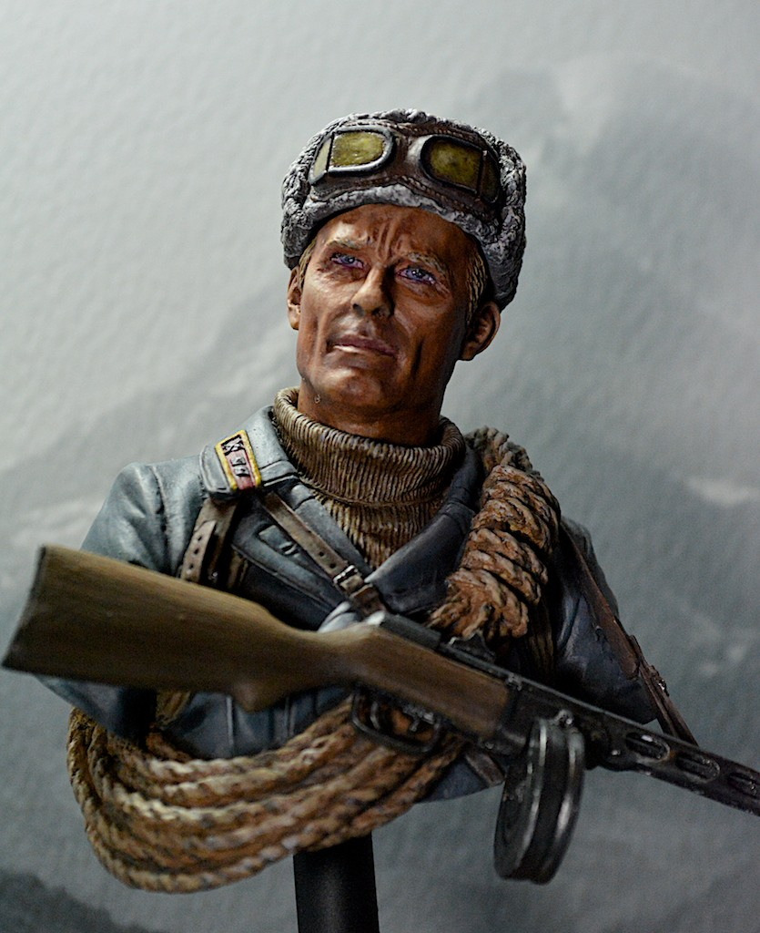 Soviet mountaineer officer - Young Miniatures - 1/10 14021109360712278511973360