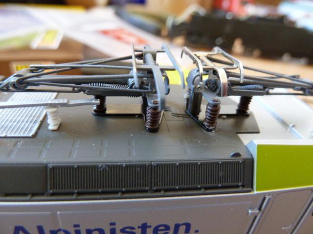 Modification pantographes Piko BR185-186 1403090402425099612049423