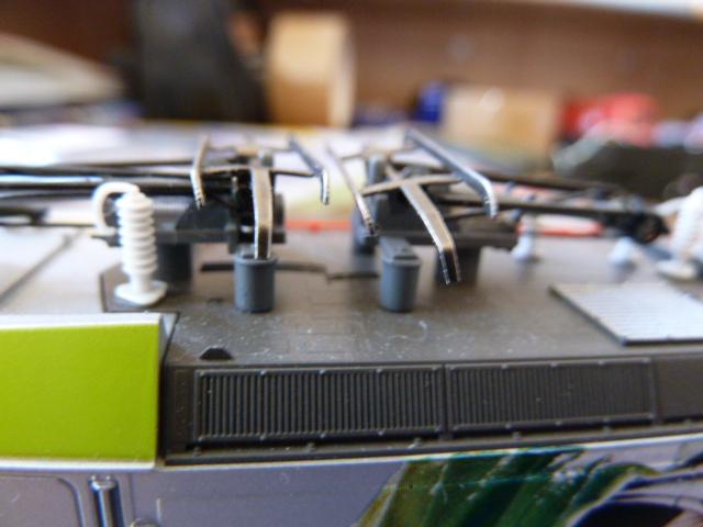 Modification pantographes Piko BR185-186 1403090402435099612049425