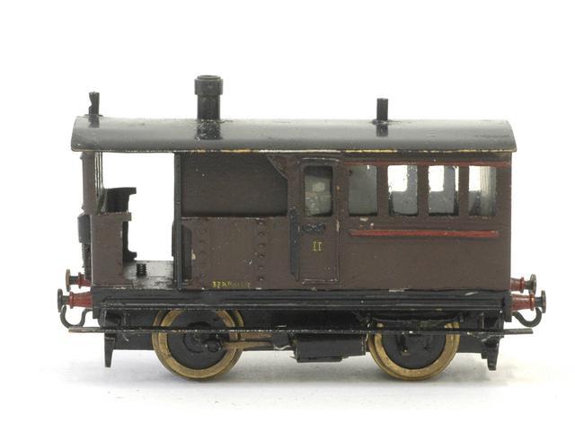 Les modèles bronze ; première période 1403190113328789712078085