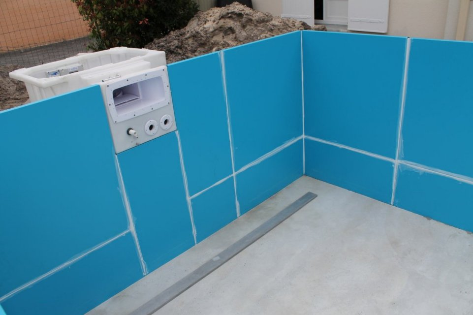 Construction d 39 une piscine aqua discount semi enterr e - Isolatie grot enterree ...