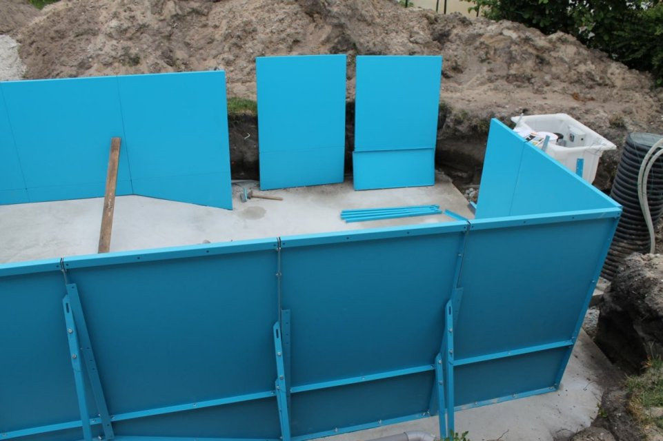 Construction d 39 une piscine aqua discount semi enterr e for Forum prix piscine