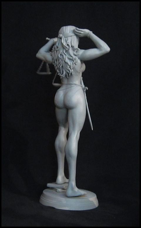 She-Hulk statue 1/4  14032808140516083612105762