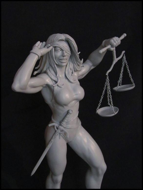 She-Hulk statue 1/4  14032808140916083612105767
