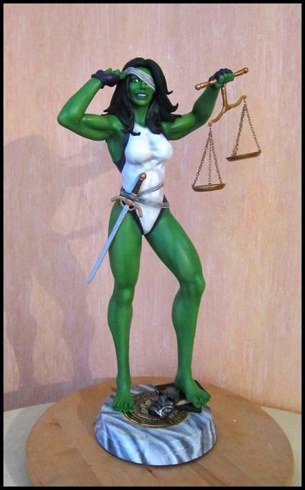 She-Hulk statue 1/4  14040108045716083612115722