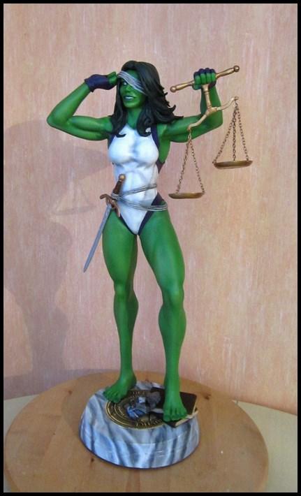 She-Hulk statue 1/4  14040108045816083612115723