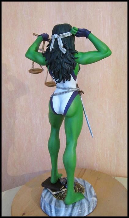 She-Hulk statue 1/4  14040108050216083612115726