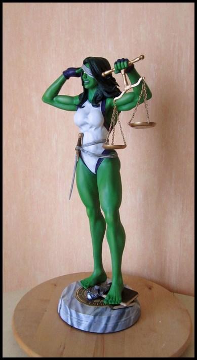 She-Hulk statue 1/4  14040108051116083612115732
