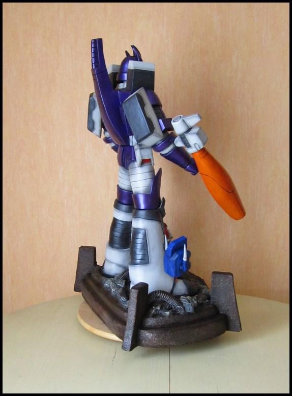 Galvatron statue  14060104525216083612282484