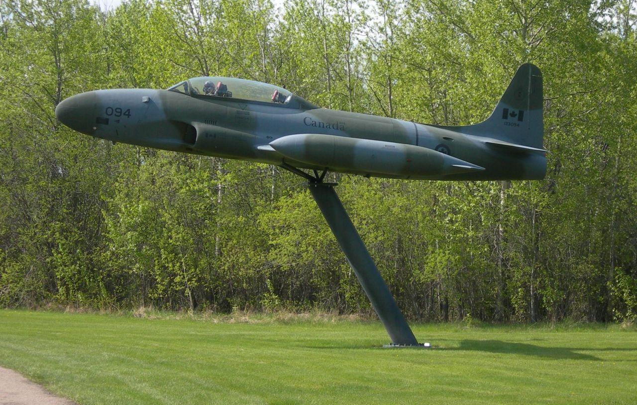 Stèles Base aérienne Cold Lake-Alberta-Canada 14060504272117629412292926