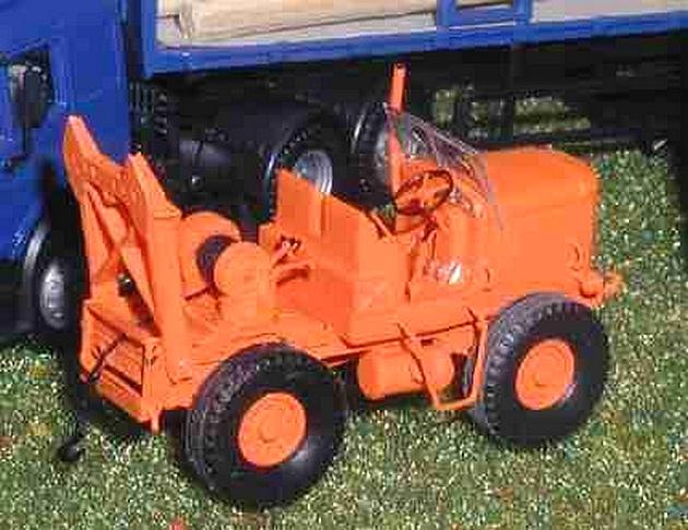 Les tracteurs Latil 1407030909098789712363476
