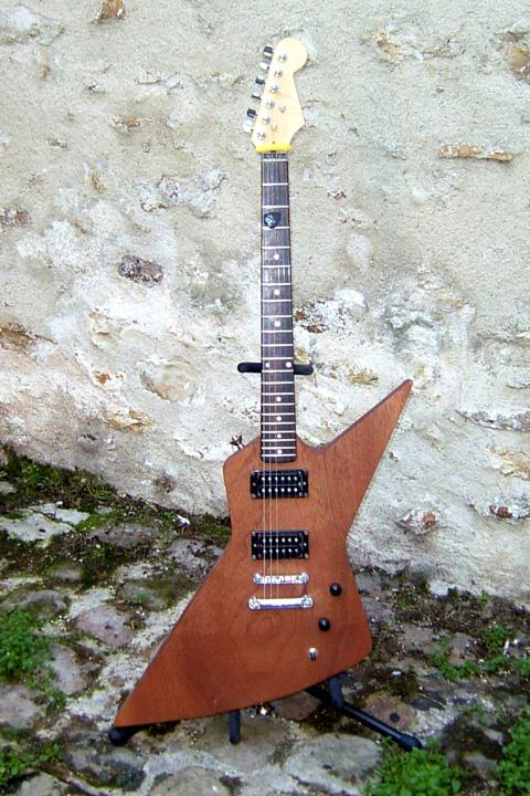 Guitare élctrique 1407061025354101812370731