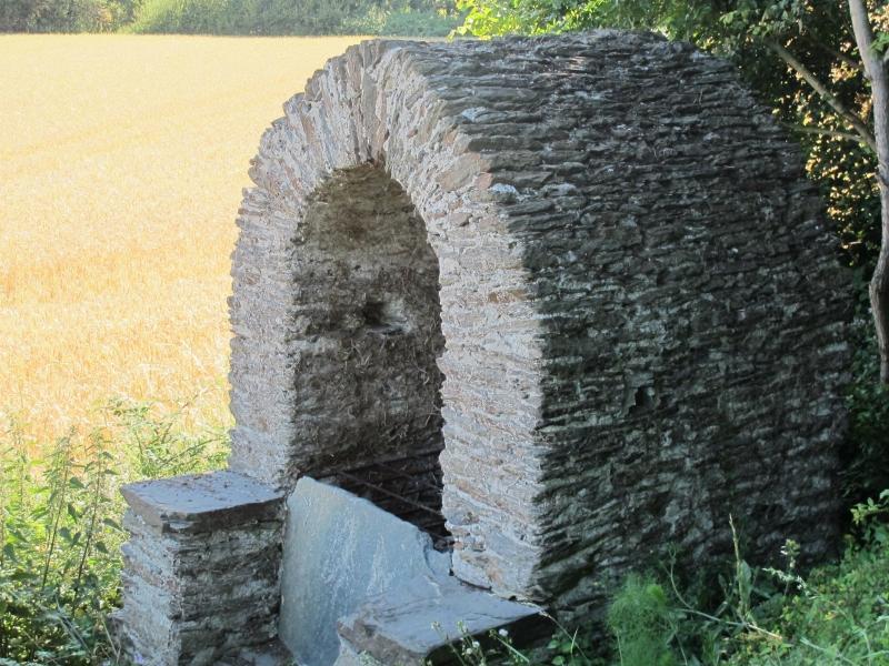 Le long du Château Richeux .. 1407120339478300612382227