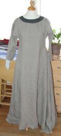 [Technique couture] Decoupage longueur robe médiévale avant ourlet Mini_1407200926412089012398148