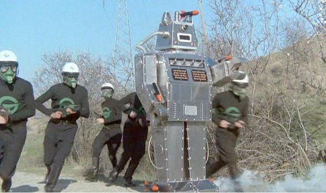 14081101272215263612445203 dans Robot-craignos