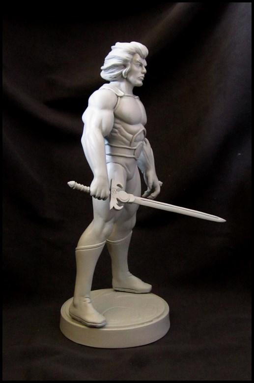 Thundercats Lion-o statue 14081907073316083612464113