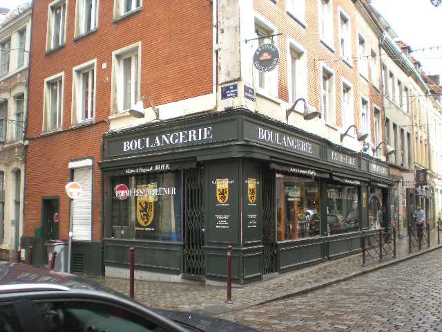 De Vlaamse Leeuw in onze winkels, bedrijven en in de openbare ruimte 14082610440614196112480138