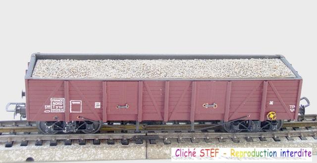 Wagons tombereaux à bogies maquette chargés 1409081125108789712509916