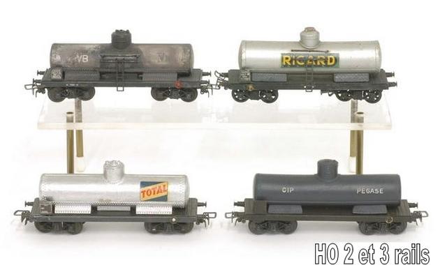 Wagons à bogies série plastique (citerne, tombereaux, couverts)  1409081126418789712509929