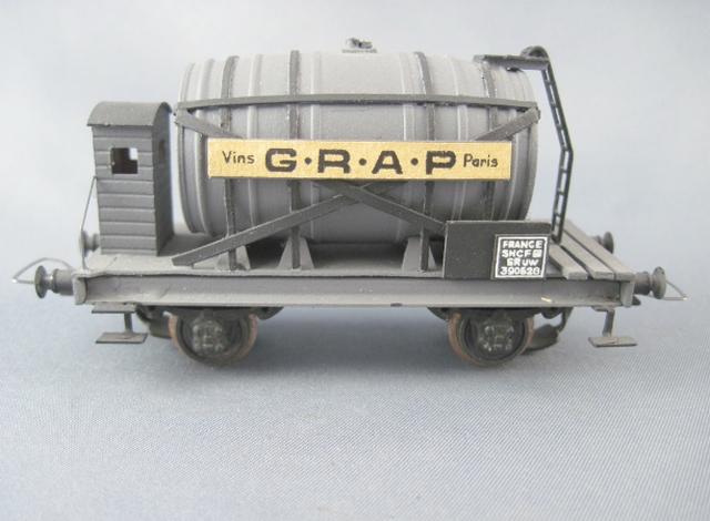 Wagons à 2 ess maquette citernes, foudres 1409081129328789712510002