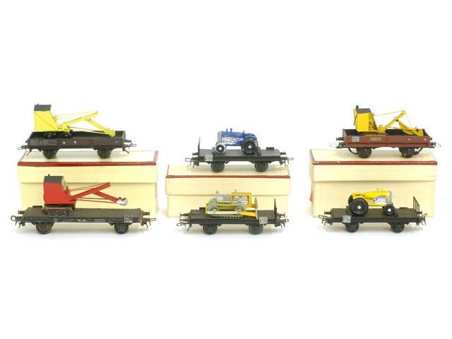 Wagons plats 2 ess maquette et semi maquette chargés par ordre alphabetique 1409081131148789712510033