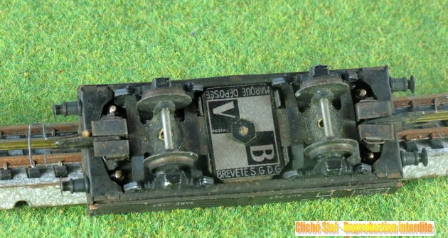 Wagons plats 2 ess maquette et semi maquette vides 1409081132578789712510059