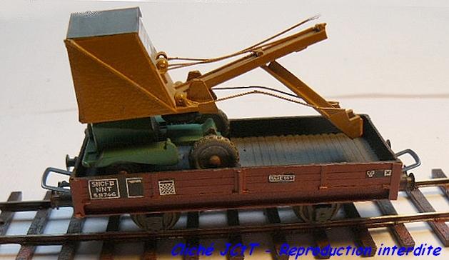 Wagons plats 2 ess maquette et semi maquette chargés par ordre alphabetique 1409081133018789712510065