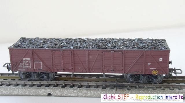 Wagons tombereaux à bogies zamak chargés 1409081136018789712510118