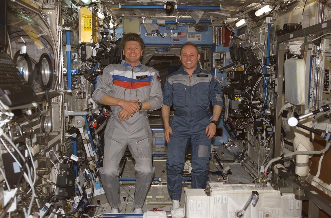 Une komandirskie dans l'espace 14091506054912775412524102