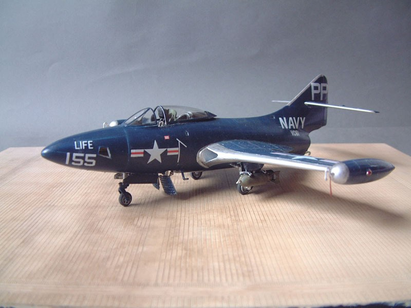 """[Trumpeter] F9F 2P """"Panther"""" - 1/48e 1411100215534769012692022"""
