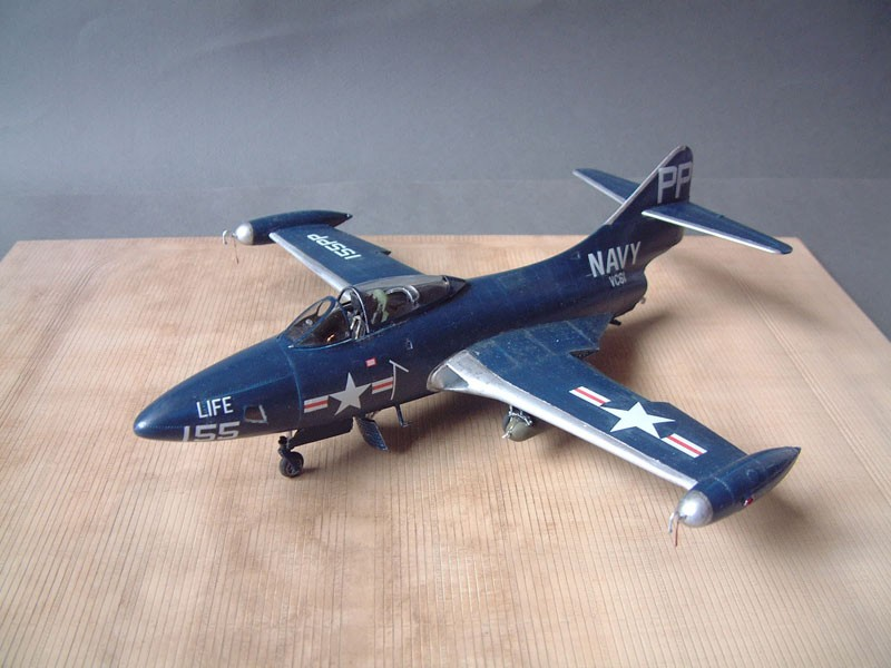 """[Trumpeter] F9F 2P """"Panther"""" - 1/48e 1411100215554769012692023"""