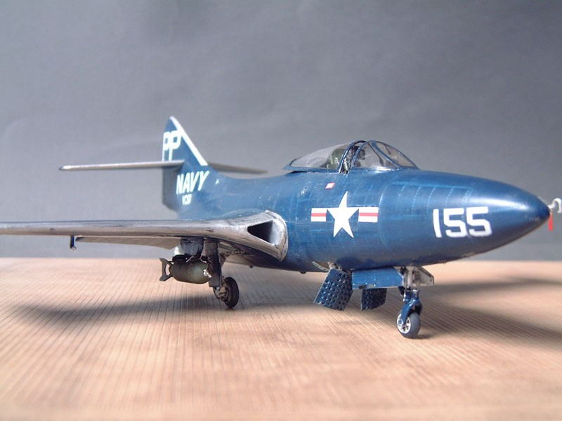 """[Trumpeter] F9F 2P """"Panther"""" - 1/48e 1411100216014769012692029"""