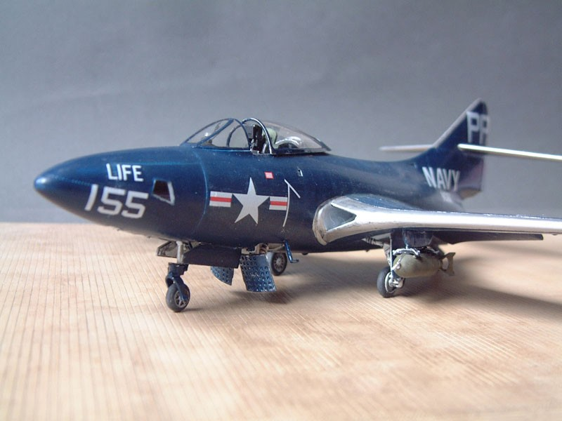 """[Trumpeter] F9F 2P """"Panther"""" - 1/48e 1411100216034769012692030"""