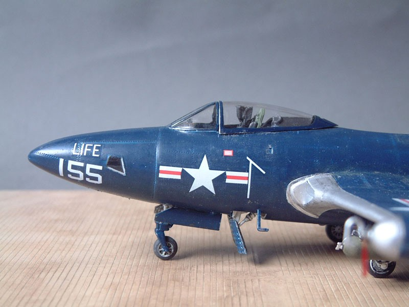 """[Trumpeter] F9F 2P """"Panther"""" - 1/48e 1411100216044769012692031"""