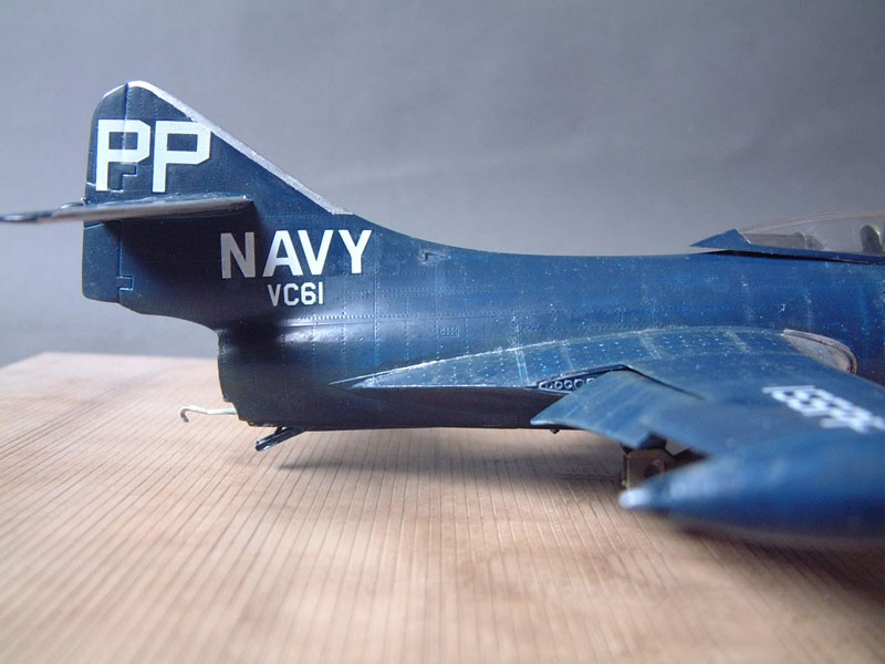 """[Trumpeter] F9F 2P """"Panther"""" - 1/48e 1411100216144769012692037"""