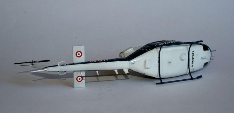 Après 14 mois d'arrêt reprise d'activité : [Italeri] AB 412 Carabinieri au 1/72 + Mission Pinguin Fuerza Aera de Chile 15010207224716118612841636