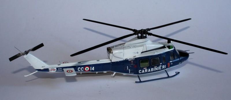 Après 14 mois d'arrêt reprise d'activité : [Italeri] AB 412 Carabinieri au 1/72 + Mission Pinguin Fuerza Aera de Chile 15010207225616118612841644