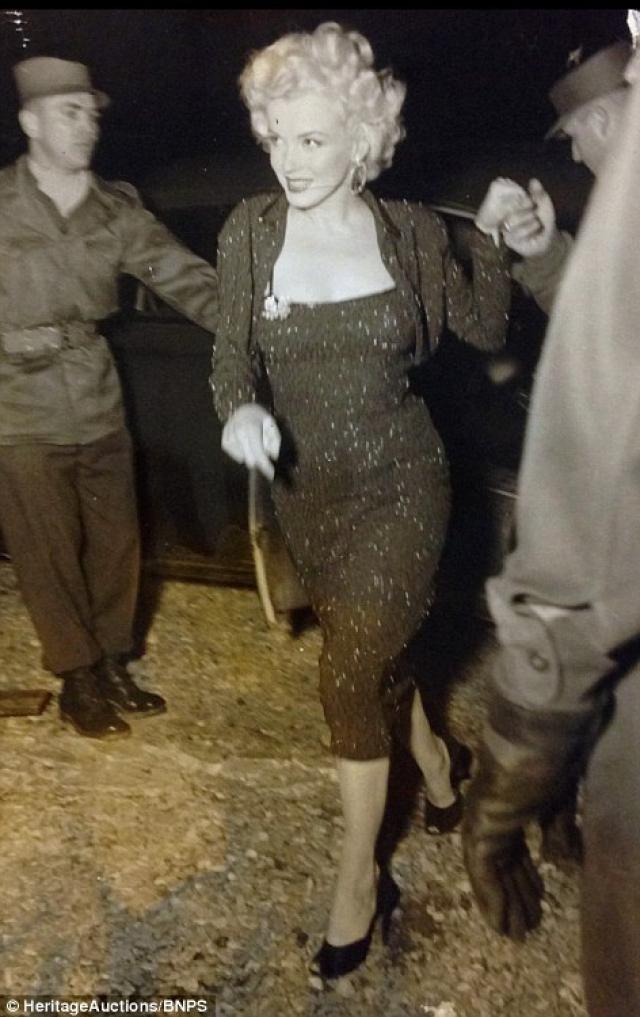 Marilyn Monroe: Korea USO Tour Février 1954.  FINIE 15012811350616819912912445