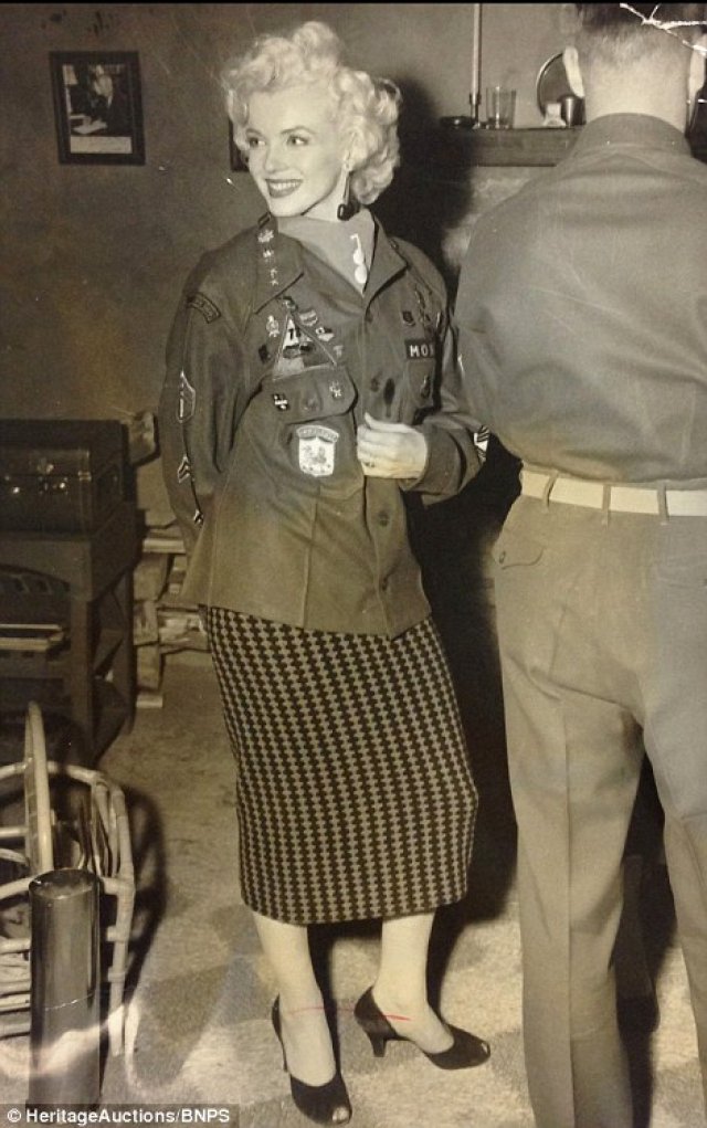 Marilyn Monroe: Korea USO Tour Février 1954.  FINIE 15012811350816819912912446