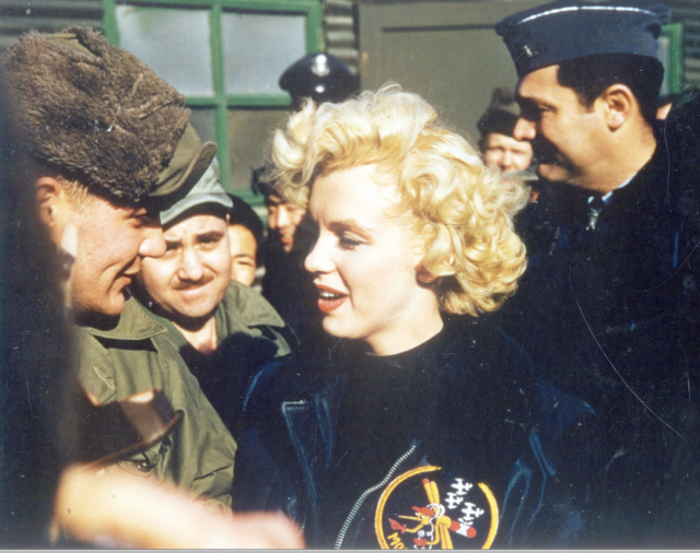 Marilyn Monroe: Korea USO Tour Février 1954.  FINIE 15012811353816819912912448