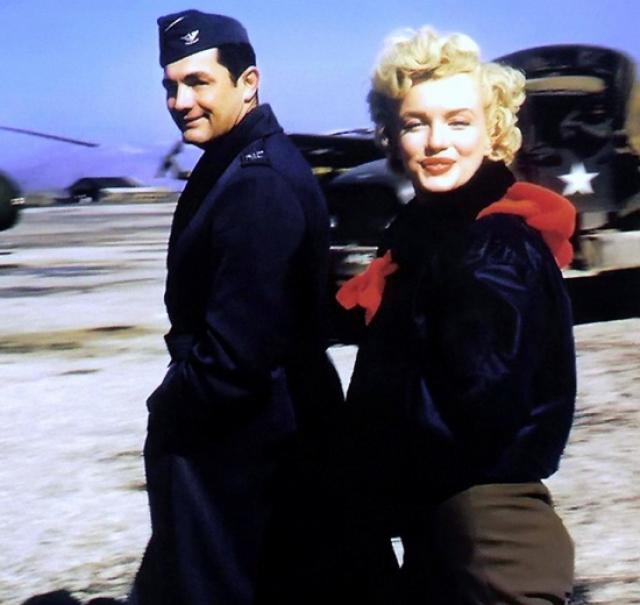Marilyn Monroe: Korea USO Tour Février 1954.  FINIE 15012811363116819912912449