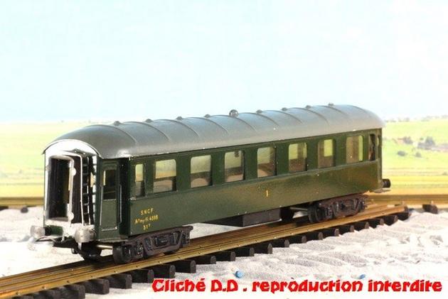 WAGONS MARTIN/FEX-MINIATRAIN 4 éme série 1953/54 1ère partie wagons longueur 23 cm 15021008205416773112952075
