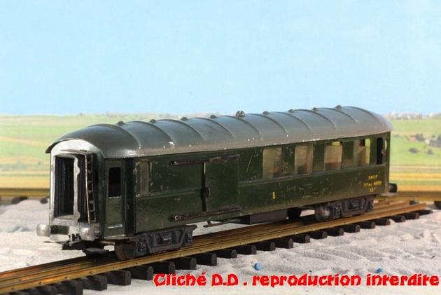 WAGONS MARTIN/FEX-MINIATRAIN 4 éme série 1953/54 1ère partie wagons longueur 23 cm 15021008205816773112952078
